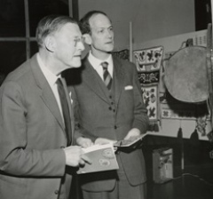 Ernst Arbman (tv), professor 1937-1958, och Åke Hultkrantz (th), professor 1958-1986